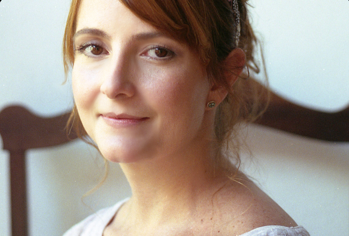 Entrevista: Babi A. Sette, autora de O Despertar do Lírio