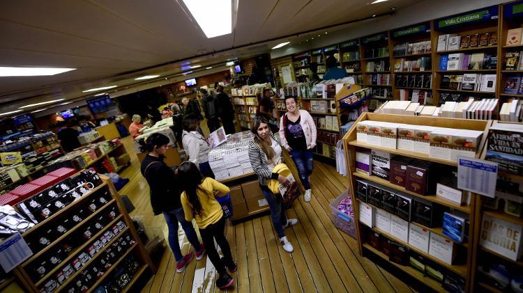 Conheça a maior livraria flutuante do mundo!