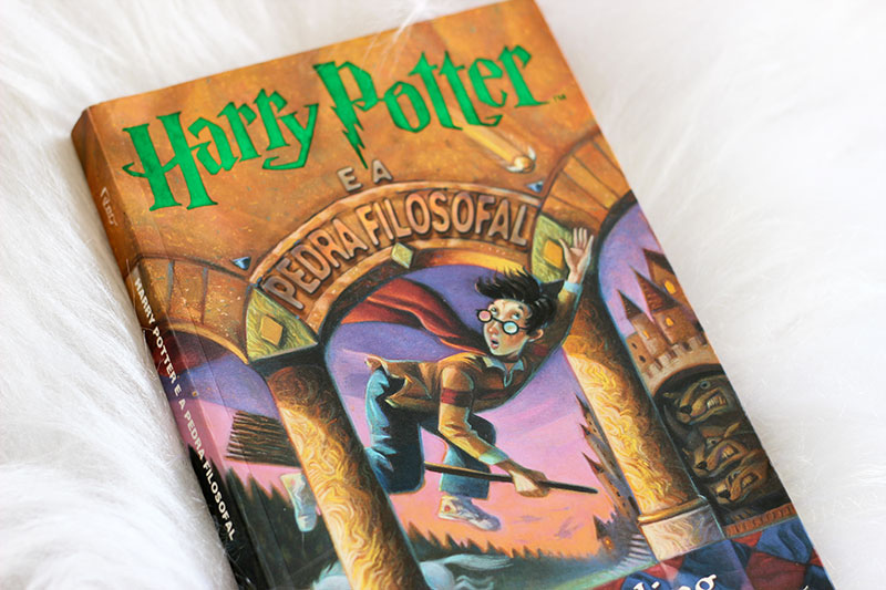 Resenha: Harry Potter e a Pedra Filosofal – J.K. Rowling