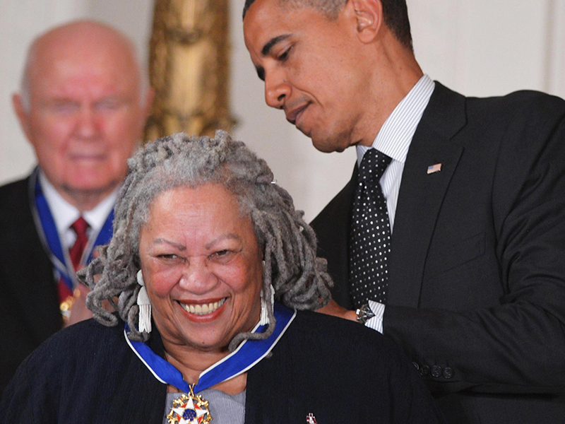 Toni recebe homenagem de Barack Obama